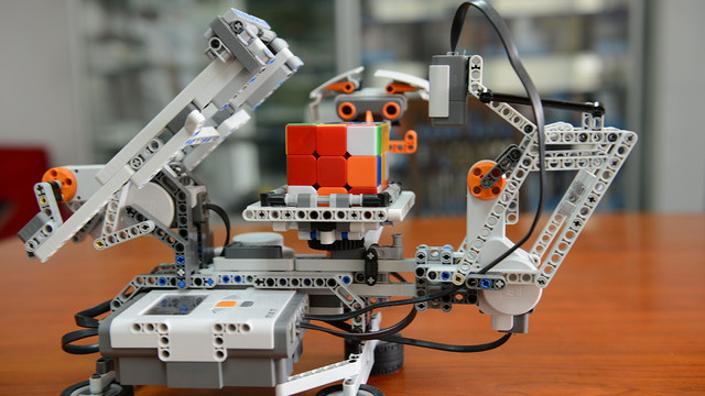 乐高机器人比赛_乐高解魔方机器人图纸 - 图纸