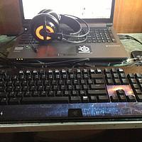 大学僧的桌面污染:Razer 雷蛇 黑寡妇战地4 机械键盘 +SteelSeries 赛睿 西伯利亚 V2 狂热之橙 游戏耳机