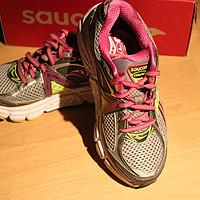 给母后淘的散步鞋:Saucony索康尼Omni 12 次顶级 女款支撑慢跑鞋