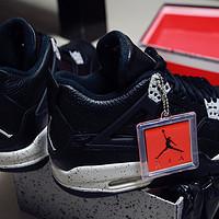 关于一些奥利奥 — Air Jordan 4 Retro