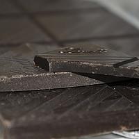90%与99%:Lindt 瑞士莲 两款巧克力对比
