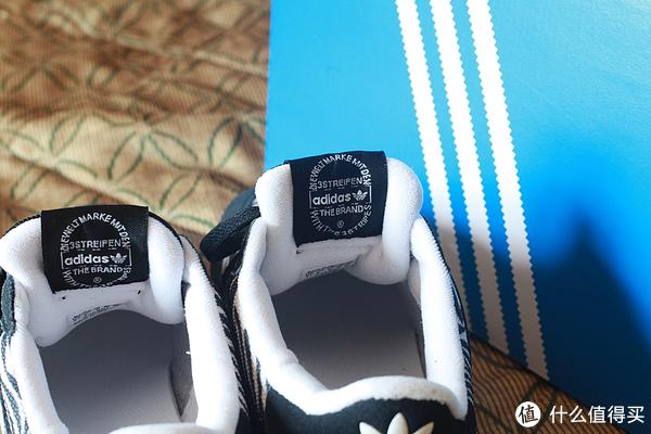 Adidas 阿迪达斯 ZX700 复古运动鞋