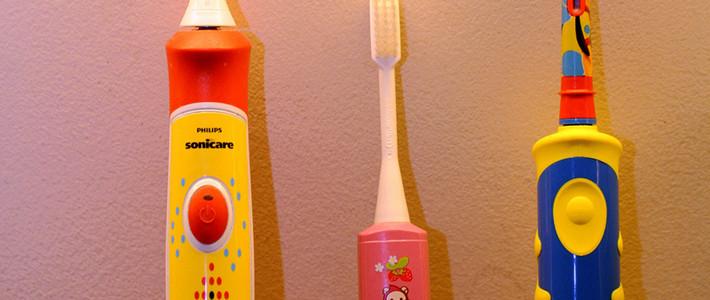 熊孩子刷牙新伙伴- 欧乐B 儿童电动牙刷对比评测