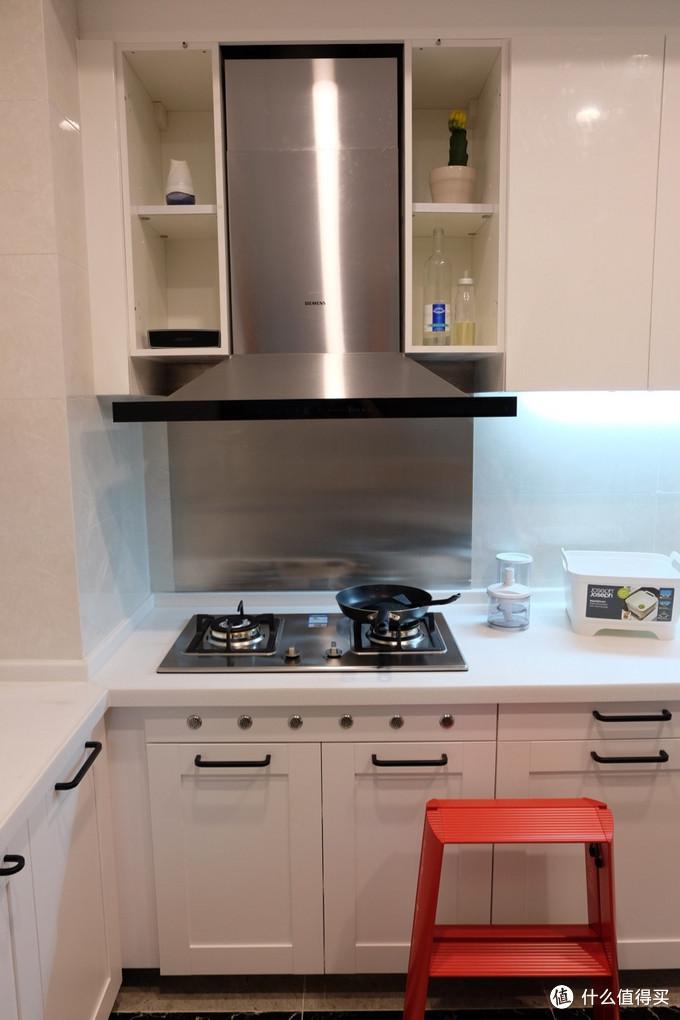 厨房吧台装修效果图_厨房装修_厨房装修价格
