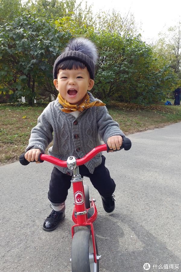 以晒车的名义晒娃:宝宝1~2岁的平衡车 篇一:ides Dbike平衡车(1岁+)【含视频】