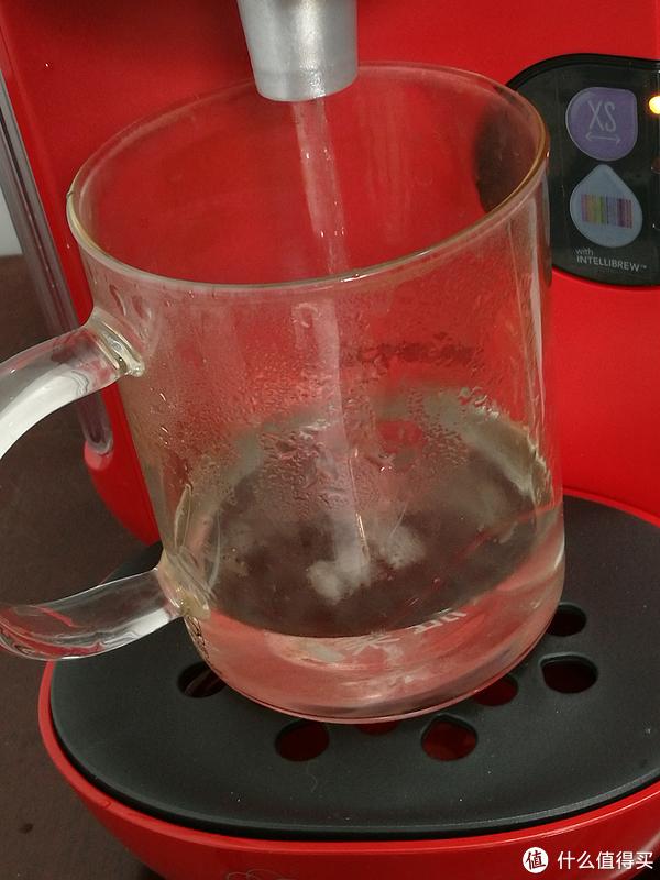 清洗中,说明书上明确提示清洗时要用大容量杯子接清洗后的水