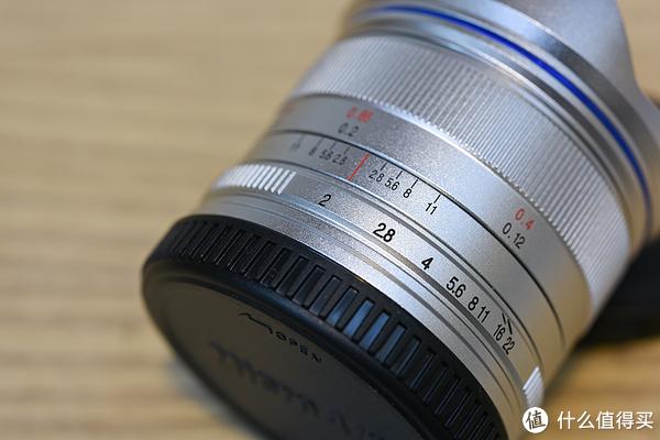 葱头的器材日记 篇一:长庚光学老蛙m43超广角7.5mm f2.0开箱~