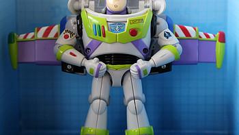 光年会变形—— Hasbro 孩之宝 迪斯尼25周年玩具总动员系列 变形金刚巴斯光年