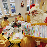那些来自各国圣诞老人的祝福——如何用2元成本收到圣诞邮局的回信和小礼物