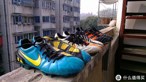 战靴全家福,从左至又分别是Laser III、Laser IV、predator 11