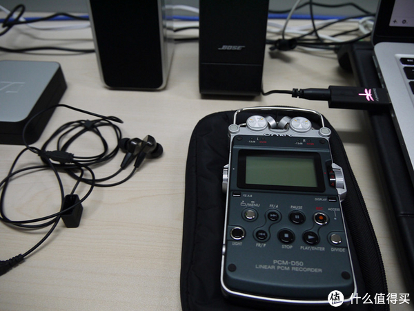 晒物广场:每日好晒单 Pebble智能腕表、AudioQuest USB耳放、技术宅的Xbox电源改造、Pelikan帝王钢笔、马丁靴真人秀、亮骚骑行装备