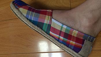 二胎麻麻新宠鞋:TOMS Multi Madras 经典款女士平底布鞋