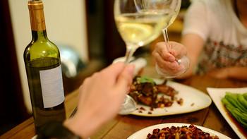 红酒的浪漫我不懂,大杯喝酒大口吃肉才是男人的浪漫——乡野绅士干白葡萄酒 750ml 评测