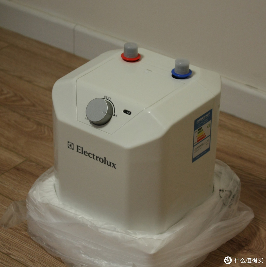 冬天里的一把火:Electrolux 伊莱克斯 ECB05-NS071 电热水器 小厨宝