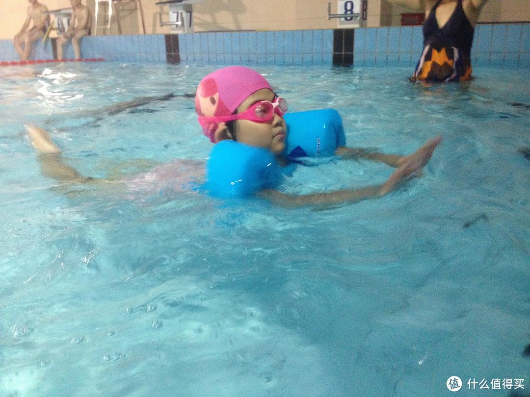 儿童救生衣初体验:Coleman 科勒曼 Puddle Jumper 坎昆儿童游泳浮水救生衣