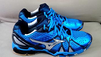 一个胖子的羽毛球鞋的另类选择:Mizuno 美津浓 Tornado 9 男款排球鞋
