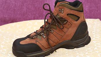 Danner 丹纳 Fowler 5.5 GTX  男款徒步靴 & Danner 丹纳 Mt Defiance  男款徒步靴 & New Balance W993 跑鞋