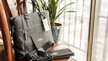 闺蜜及闺蜜男人们的包 篇一:TUMI 塔米 Beacon Hill系列 Branch Slim Laptop Briefcase 男士真皮公文包