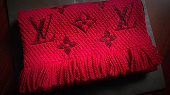 Louis Vuitton 路易·威登 Logomania 红色经典女款羊毛围巾 M72432