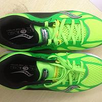 """""""黑""""科技跑鞋也可以很漂亮——UA SpeedForm系列 跑鞋套装测评"""
