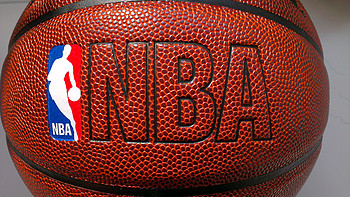 斯伯丁 NBA彩色运球人 74-601Y 篮球购买理由(推荐 价格)