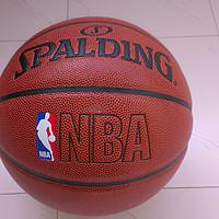 斯伯丁 NBA彩色运球人 74-601Y 篮球使用总结(logo 颜色)