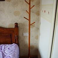 床头柜的替代品:溢彩年华 实木衣帽架
