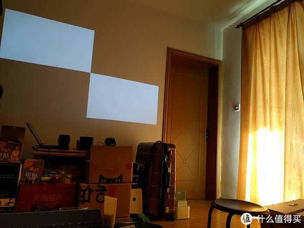 #首晒# LG PF1000U 首款1080P超短焦LED家用投影仪 使用体验