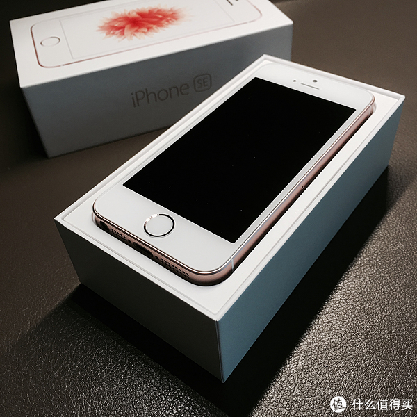 iPhone SE 玫瑰金