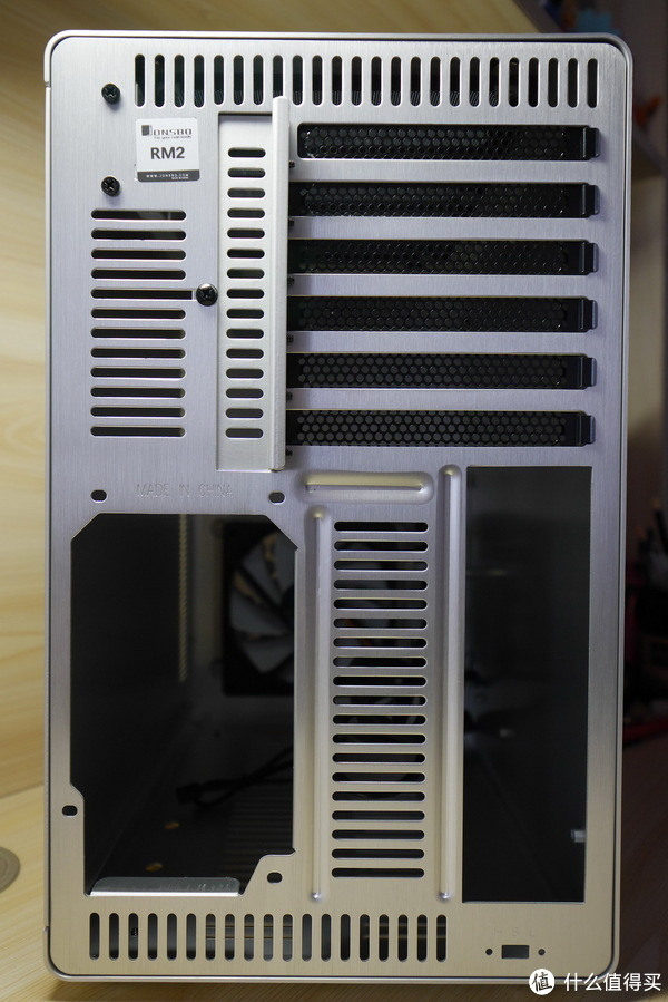 #本站首晒# 惊喜有余却完美不足的最小ATX机箱 — JONSBO 乔思伯 RM2 全铝ATX机箱