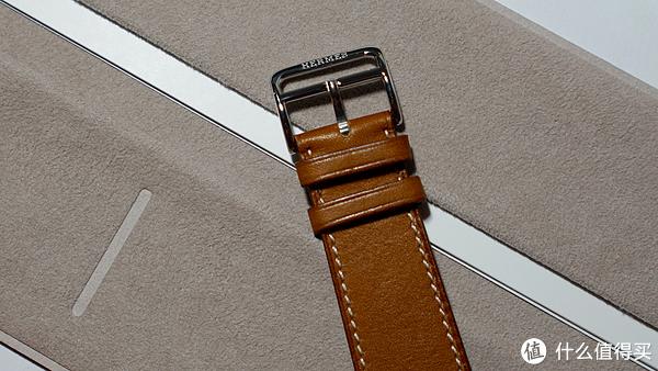 马镫造型的不锈钢表扣,雅!