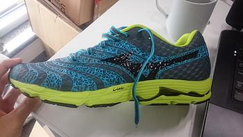 我的第一双 美津浓跑鞋:Mizuno 美津浓 WAVE SAYONARA 2 蓝绿色晒单