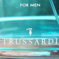 谁说男子不用香 篇一:想要卖得好,名字要起好——Trussardi 蟒蛇系列