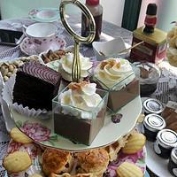 生活不只是眼前的苟且,还有闺蜜和美食: Royal Albert 茶具