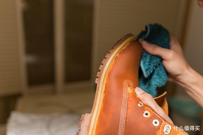 旧鞋大清洗 — 小白洗鞋记