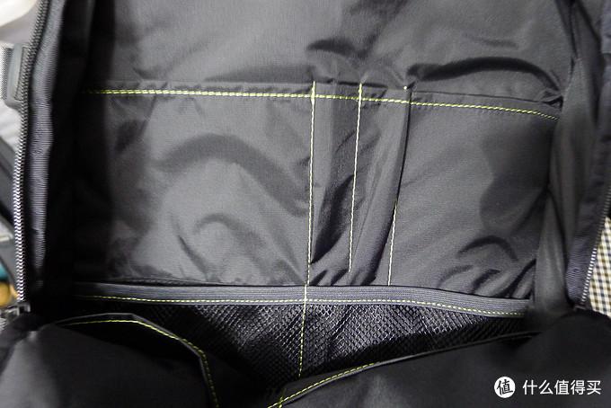 功能强大的多面手:Incase Eo Travel Backpack 双肩旅行包