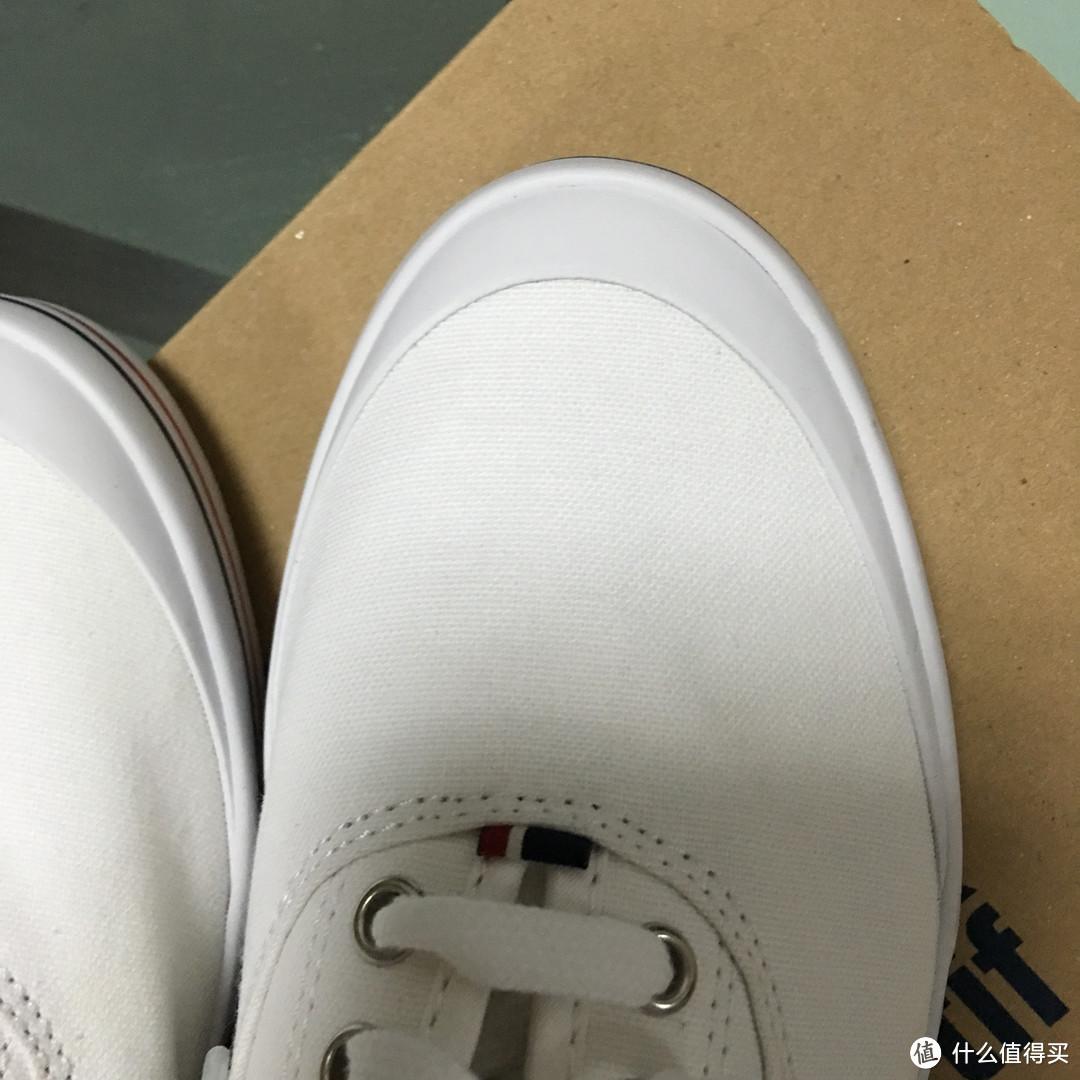 跟随潮流的le coq sportif Grandville 中性休闲鞋