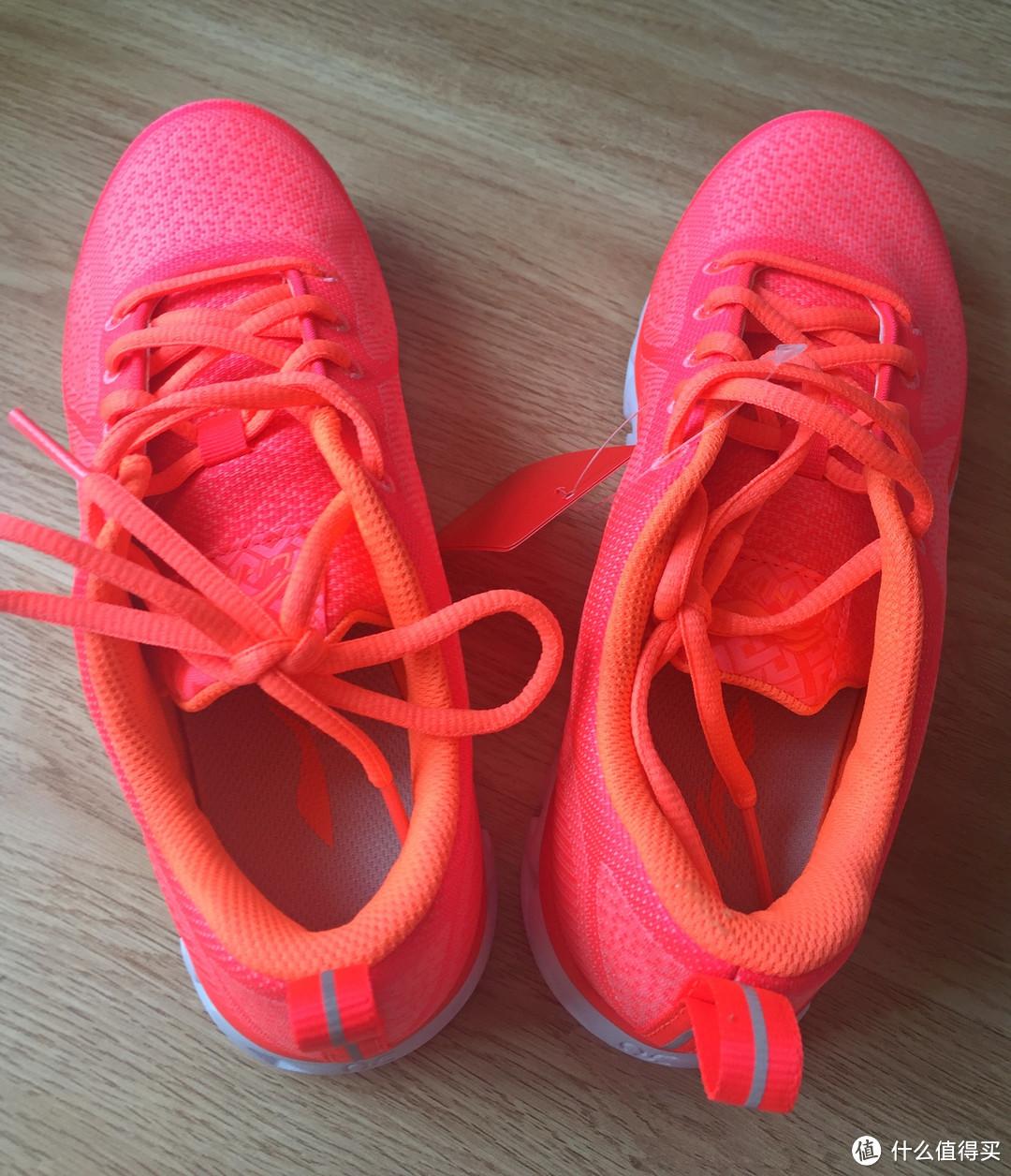 如何选择一款性价比高的跑鞋?LI-NING 李宁 2016新款 弧一体织 减震跑鞋 开箱&体验