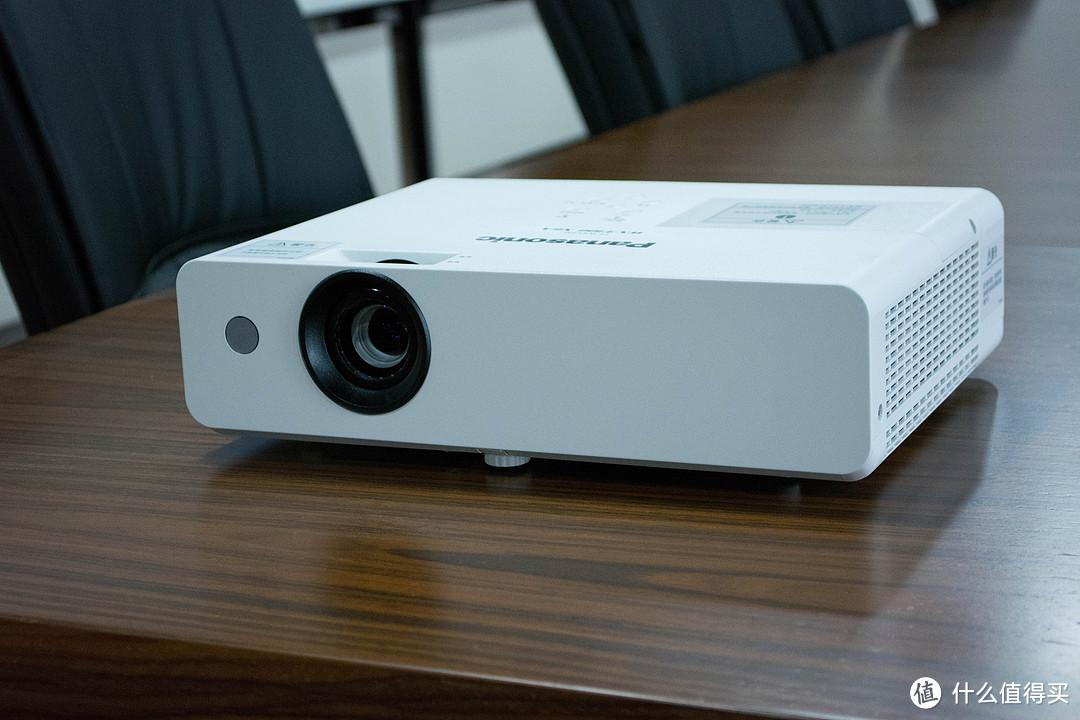 Panasonic 松下 PT-WX3300 商务办公投影机 开箱体验