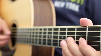 大妈教你学吉他 篇二:手指独立性练习及和弦转换