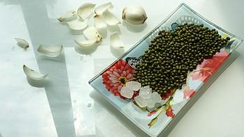 一枚时尚店家的厨艺修炼 篇二:消暑降燥圣品——简约的百合绿豆汤
