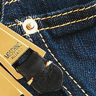 #时尚不打折# 我不是背带裤,我是Moschino牛仔包
