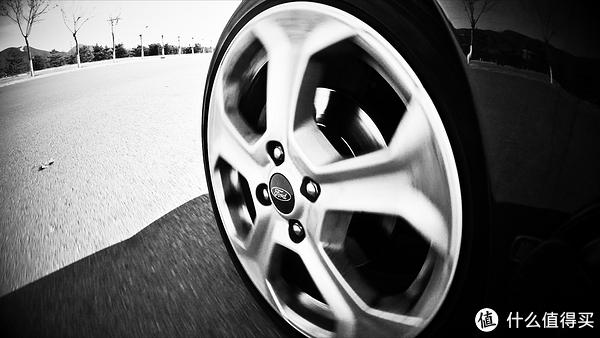 也许是30万以内最有驾驶乐趣的车-嘉年华ST