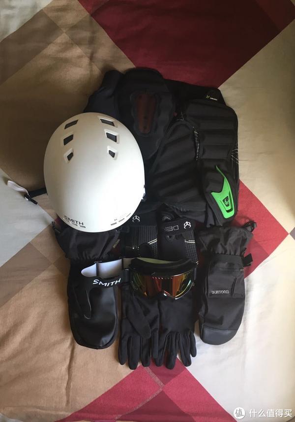 滑雪装备 篇一:Burton Baker 2-In-1 Mitten 防水保暖滑雪二合一手套 开箱