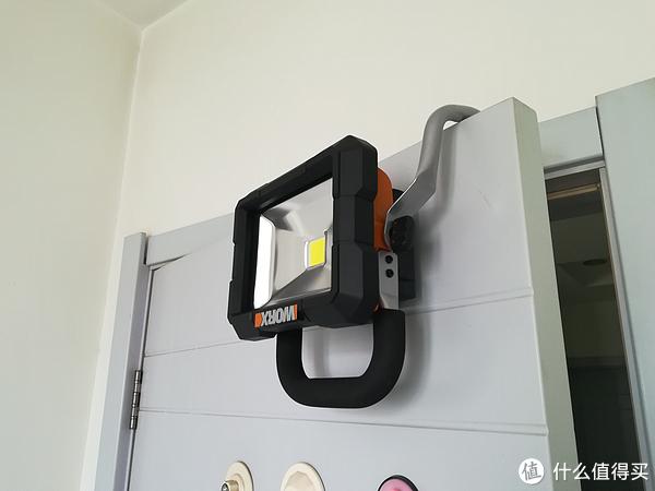 大手电,你有木有 — WORX 威克士 WX026.9 手提式户外照明灯