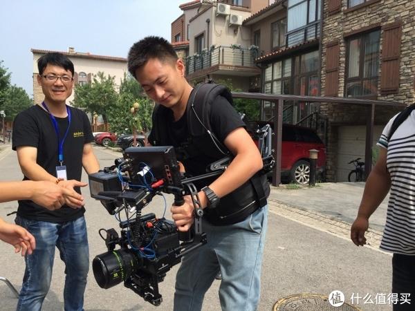 让自己成为CGX一样的导演:悠拍Uoplay2手机云台稳定器