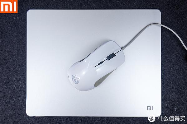 研究僧的短评快测 篇一:【视频】小米铝合金鼠标垫快速体验