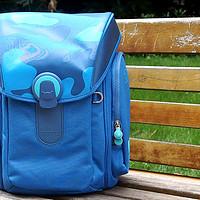 小米 米兔儿童书包使用介绍(容量|氟龙涂层|插袋|性价比|功能)