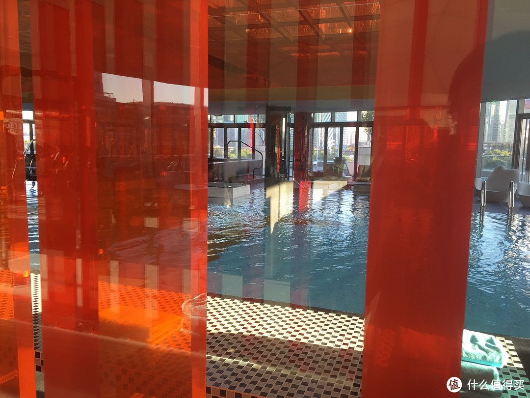 纸醉金迷还是流光异彩?魔都网红酒店之上海外滩W酒店体验
