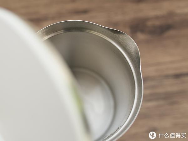 米家两款电水壶真的只差恒温和APP控制吗?看完这篇你就知道自己该买哪款了